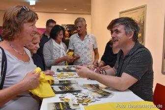Oliver Haffner im Gespräch mit den Zuschauern in Neumarkt