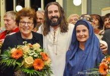 Barbara Stamm, Thomas Fries (Jesus) und Sabine Radschinsky (Maria)