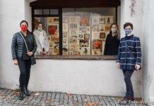 BU: Karin Allar, Isabell Heusinger, Anna Meier und Anita Brandt vor dem KunstRaum Klostertor