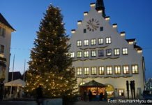 230 Lichterketten erstrahlen auf 17 Christbäumen in der Innenstadt